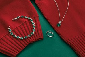 Ruby & Oscar Emerald Jewellery Set
